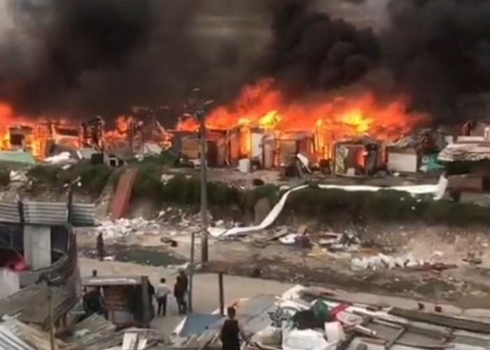 ¿Quién comenzó el incendio en el desalojo en Bogotá? ¿El Esmad o los recicladores?
