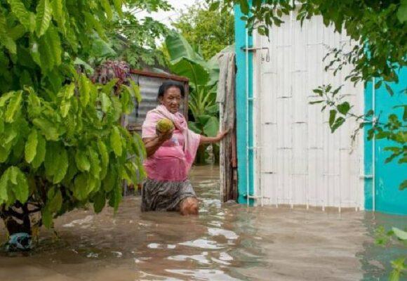 El absurdo de tener que rezar al Sagrado Corazón para que la lluvia no se nos lleve la casa