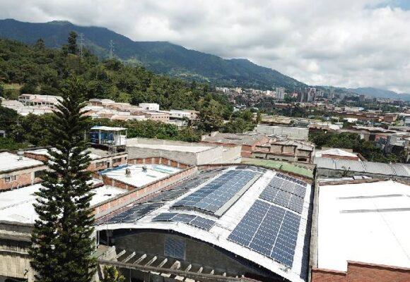 Tras cambiarse a energía solar, una empresa logra ahorrar casi 58 % de su factura eléctrica